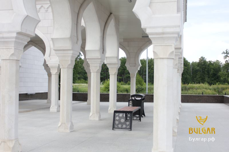 Бялата Джамия