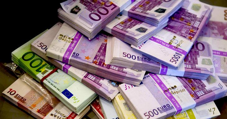 Българите в чужбина са изпратили около два милиарда лева за 2016-а